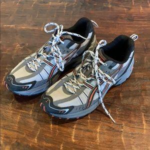 Men's ASICS gel tennis shoes running sneakers